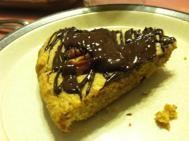 pecan shortbread slice